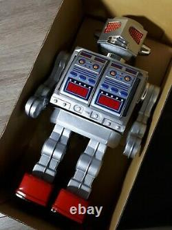 Brand New Japan Metal House Super Space Giant Robot Battery Op Tin Toy Vintage