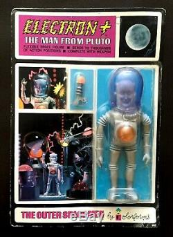 Colorforms Outer Space Men Vintage 1968 Complete Carded Set Of 7 Action Figures