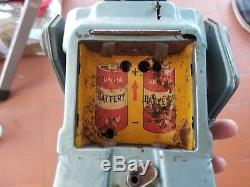 JAPAN Nomura ASTRONAUT ROBOT SPACE RARE VERSION BATTERY OPERATED TIN TOY VINTAGE