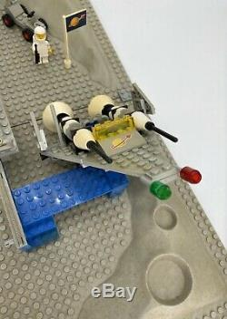 LEGO Classic Space 6970 Beta I Command Base VINTAGE Spaceman