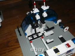 LEGO Classic Space 6990 Monorail Transport System complete with Minifigs, Manual