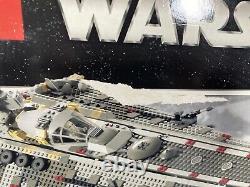 LEGO Star Wars 4504 Millennium Falcon Rare 2004 Set New Sealed Box in Good Shape