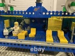 LEGO Vintage Classic Space Set 6970 Beta-1 Command Base 1980