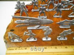 LOT OF 23 Vintage 1930s RAPAPORT BUCK ROGERS TOY SPACE LEAD METAL FIGURES