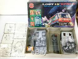 Lost in Space Chariot plastic model kit vintage 1967 Maruzan Japan Marusan Tank