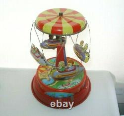 MIND BLOWING Collectible AMUSEMENT PARK RIDE TIN TOY 4 Cool SPACE CARS Vintage