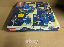 MISB Sealed New Lego Vintage 1984 Classic Space Robot Command Center 6951 NIB