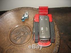 NICE ROBOT BULLDOZER TRACTOR c. 1957 NOMURA JAPAN TINPLATE VINTAGE space tin toy
