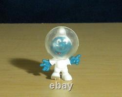 Smurfs 20003 Astro Smurf Astronaut Figurine Vintage PVC Toy Figure Space Helmet