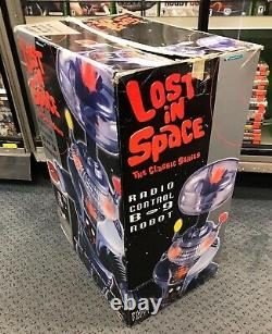 Trendmasters Lost In Space Radio Control B-9 Robot 24 with Box 1997 Vintage WOW