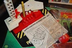 VINTAGE 1968 Remco Vintage Voice Control Astronaut Base