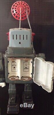 VINTAGE ALPS TELEVISION SPACEMAN ROBOT 1960s Japan SPACE TIN BATTERY -OP