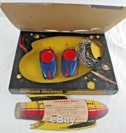 VINTAGE REMCO WALKIE TALKIES SPACE MODEL QX-2 withSQUADRON MEMBER CARD! NEWithOSS
