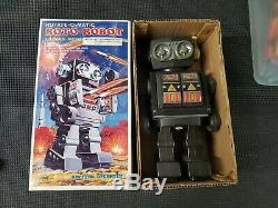 VINTAGE TIN AND PLASTIC TOY ROTO ROBOT SPACE SH BATTERY OPERATED WithBOX JAPAN
