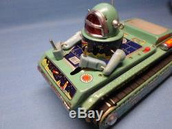 VINTAGE TIN TOY SPACE TANK GYRO ACTION ME 091 MADE IN CHINA 1970's