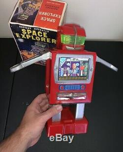 VINTAGE Yonezawa Red Space Explorer Robot Tin Battery Op Space Toy In Box 1967