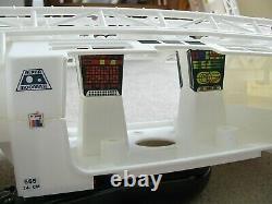 VTG Mattel SPACE 1999 EAGLE 1 SPACE SHIP WHITENESS RESTORED NO PARTS