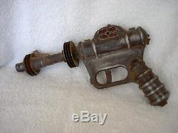 Vintage 1946 All Steel Buck Rogers Atomic Space Ray Pistol Gun