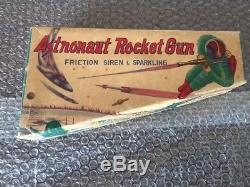 Vintage 1960s Astronaut Rocket Gun, ray gun, by Daiya, Japan, VF Original Box