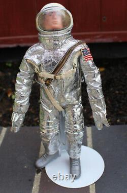 Vintage Hasbro GI Joe Action Pilot Space Capsule & Suit with Pilot Figure & Box