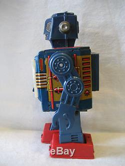 Vintage Horikawa Japan VIDEO ROBOT battery operated tin toy SPACE SCOUT original