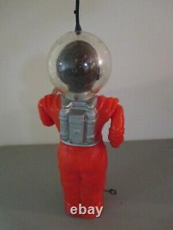 Vintage Irwin Space Man Robot Man From Mars Wind Up Plastic Toy 10 tall