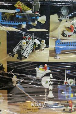 Vintage / LEGO Space System 6970 Command Base Complete withbox & manual toys