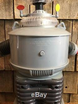 Vintage Lost In Space Robot Toy 24 Tall 1998 Space Productions Trendmasters