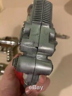 Vintage Ray Gun Atomic Disintegrator Cap Hubley Space Robot Atomic