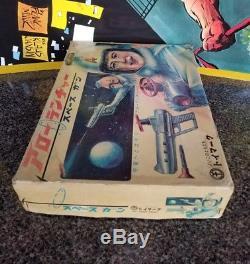 Vintage Space Gun MATSUSHIRO Arrow Launcher Japan MiB NOS Captain Ultra 60s