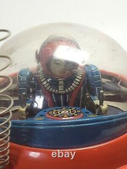 Vintage Yoshiya Kobe Yoko Flying Saucer + Space Pilot Tin Toy Battery Op Japan