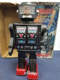 Vtg Rotate-o-matic Super Astronaut Robot Space Toy Automatic Action W Box 1960