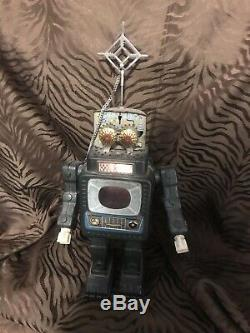 WORKS! Vintage ALPS JAPAN TELEVISION SPACE MAN TIN TV ROBOT